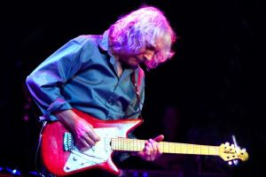 Cadogan Hall Hosts Albert Lee's 70th Birthday Celebrations this March