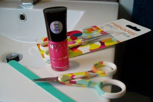 Fashionable Feet and Knockout Nails with Fiskars and Boots No7