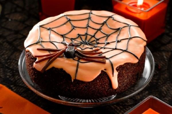 Halloween Black Widow Cake